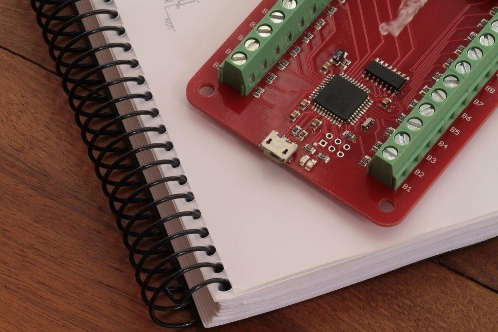 PCB sobre un proyecto impreso